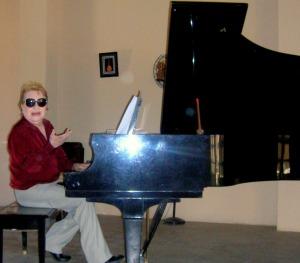 Nicholas, Piano